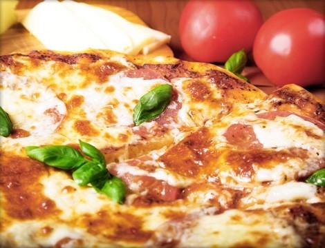 2 pizze a scelta dal menu ..e panorama mozzafiato dalla Vetta a Pegli! Validità fino al 30 Marzo 2019!
