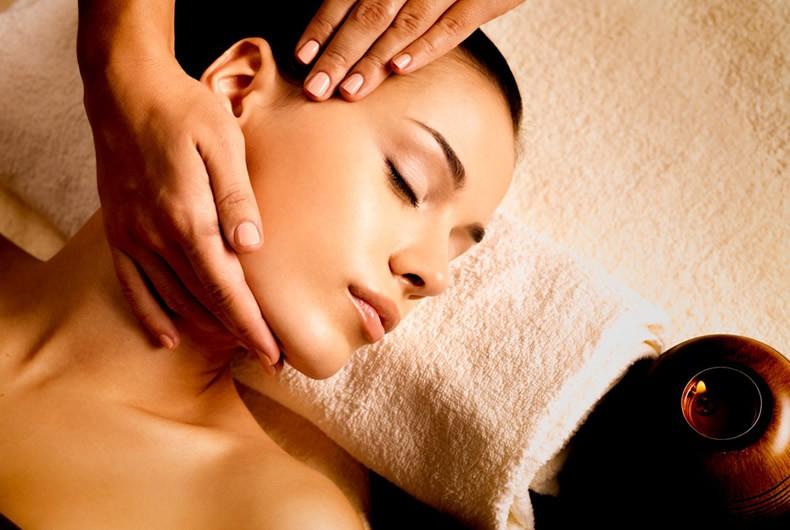 A Sestri Ponente! 1 massaggio cranio-sacrale della dura di 60 minuti circa da Charme Beauty  Chic  in via Manara!