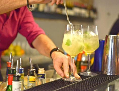 Nella splendida cornice di Nervi!  Apericena  di coppia alcolico o analcolico o calice di vino bianco, rosso o rose'  al Bar San Siro!