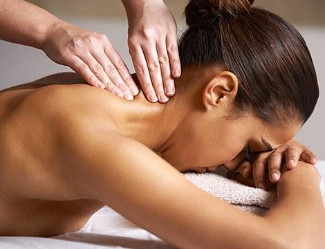 Occasione da prendere al volo! 2 massaggi da 45 minuti a scelta tra  decontratturante, rilassante, drenante dal massaggiatore olistico  Luca Sfregola nel cuore di Albaro in via Zara!