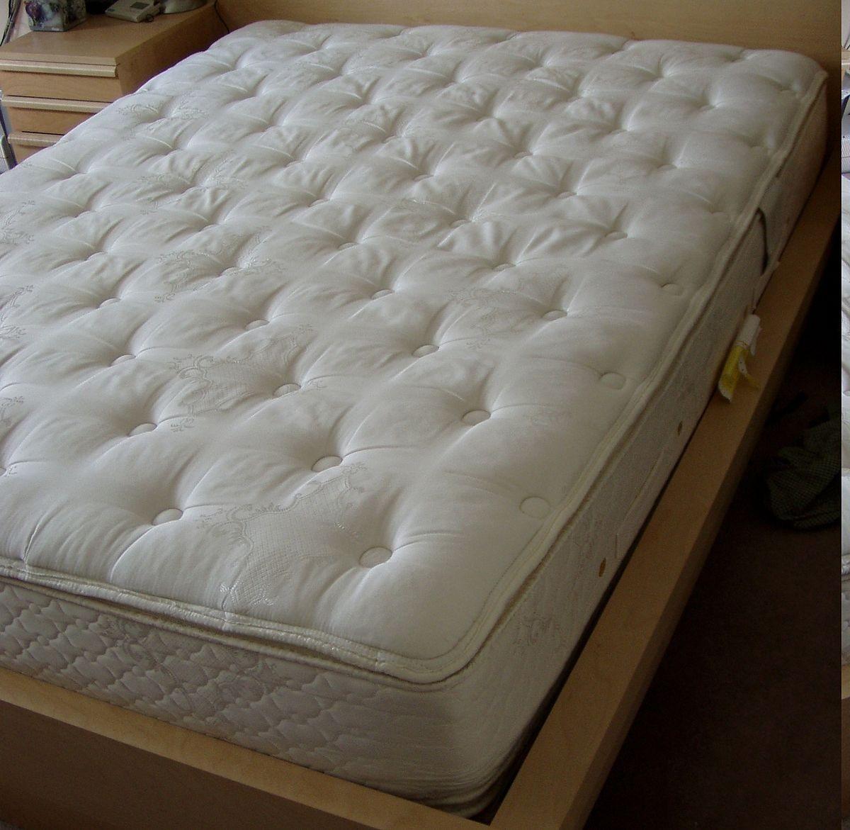 Igienizzazione di materassi singoli o matrimoniali grazie all'impresa di pulizie Igienic! Servizio eseguito da Genova Nervi a Genova Cornigliano!!
