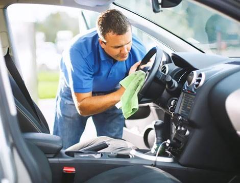 Sanificazione di auto utilitaria e lavaggio interni grazie all'impresa di pulizie Igienic! Servizio eseguito da Genova Nervi a Genova Cornigliano!!
