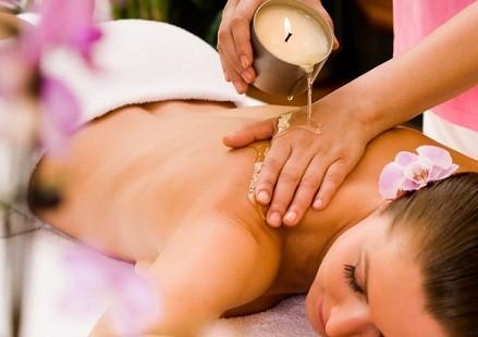 Natale 2019! Rituale sensitive Candle Massage da 45 minuti. Il piacere del vero relax nella centralissima via della Libertà da Tiziana Sorrentino estetista e naturopata!