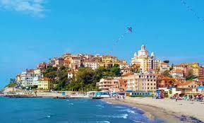 2 giorni e 1 notte Pernottamento x 2 persone in camera doppia in mezza pensione al'Hotel Kristall a Diano Marina!