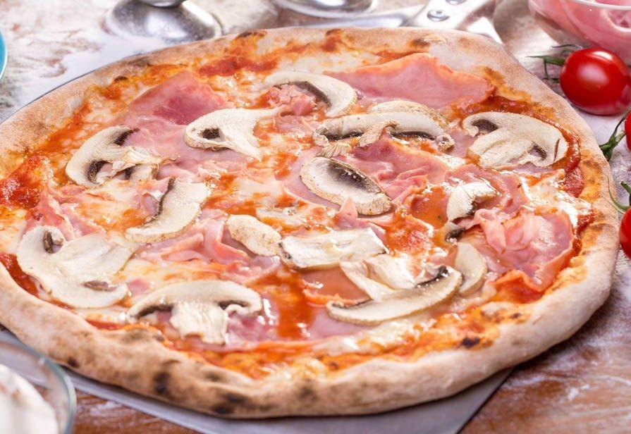 Il piacere di una buona pizza all'aperto e in sicurezza!  2 Pizze a scelta dal menu impasto con lievito madre o con farina integrale, 2  birre o bevanda analcolica, 2 dolci della casa e coperti inclusi...  da Pizza in Piazza in Piazza Palermo!