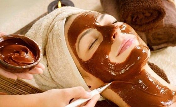 Idea regalo!  scrub viso + maschera al cioccolato aromatizzato all'arancia e massaggio linfodrenante viso da Rinascita Centro Benessere nella centralissima via Volturno!
