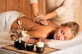 Speciale San Valentino! 3 massaggi da 45 minuti a scelta tra decontratturante, rilassante o sportivo in via Caffa dal massaggiatore Nicolo' Rigamonti!