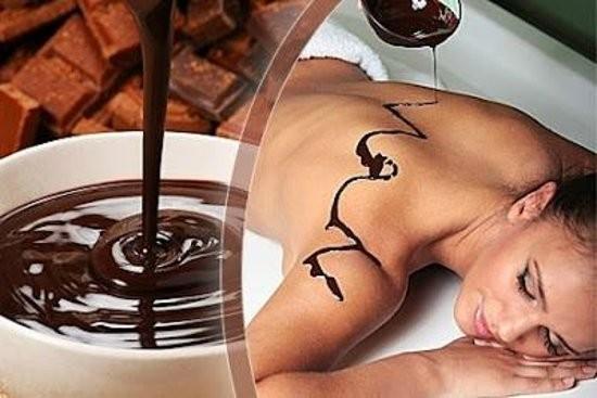 Coccola Golosa Natale 2019!  Massaggio  al burro di karitè e cioccolato della durata di 40 minuti nella centralissima Via Colombo da Estetika Vale!