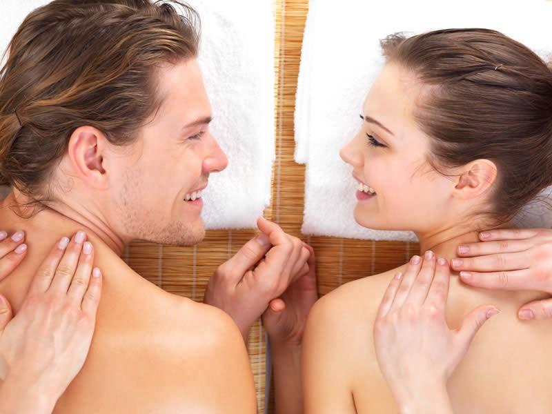 Regala o regalati un massaggio rilassante di coppia da 45 minuti con tisana finale o un massaggio a 4 mani. Per vivere insieme un'esperienza unica di benessere fisico e mentale!!