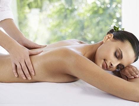 1 massaggio da 45 minuti a scelta tra decontratturante, rilassante o sportivo in via Caffa dal massaggiatore Nicolo' Rigamonti!