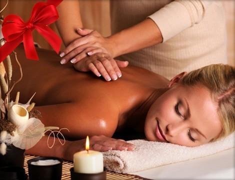 Speciale Idea regalo Natale! Rituale Zeus o Venere: massaggio californiano + massaggio al viso. 60 minuti di Puro Piacere dal massaggiatore olistico  Luca Sfregola nel cuore di Albaro in via Zara!