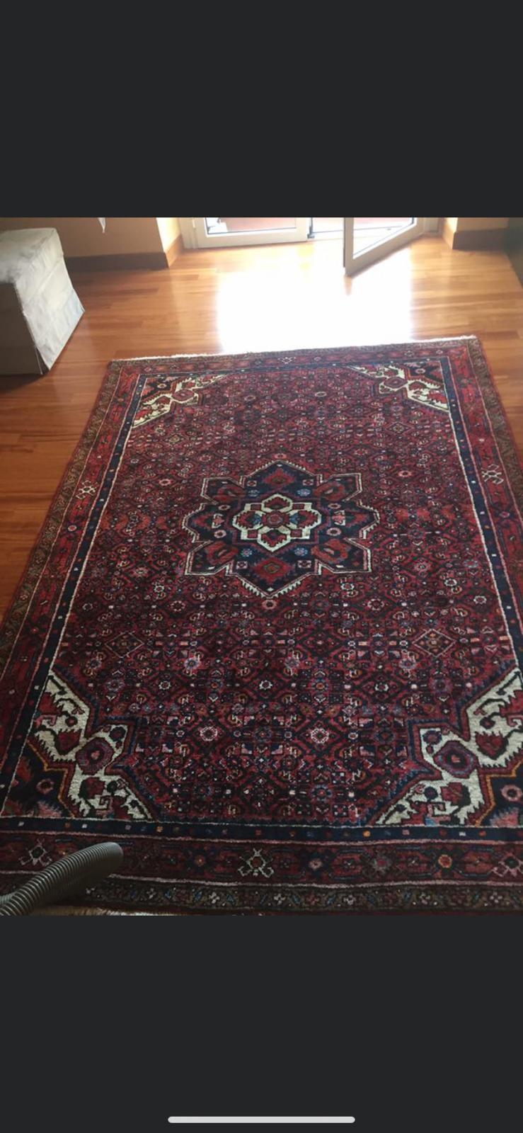 Igienizzazione di  tappeti o divani grazie all'impresa di pulizie Igienic! Servizio eseguito da Genova Nervi a Genova Cornigliano!!