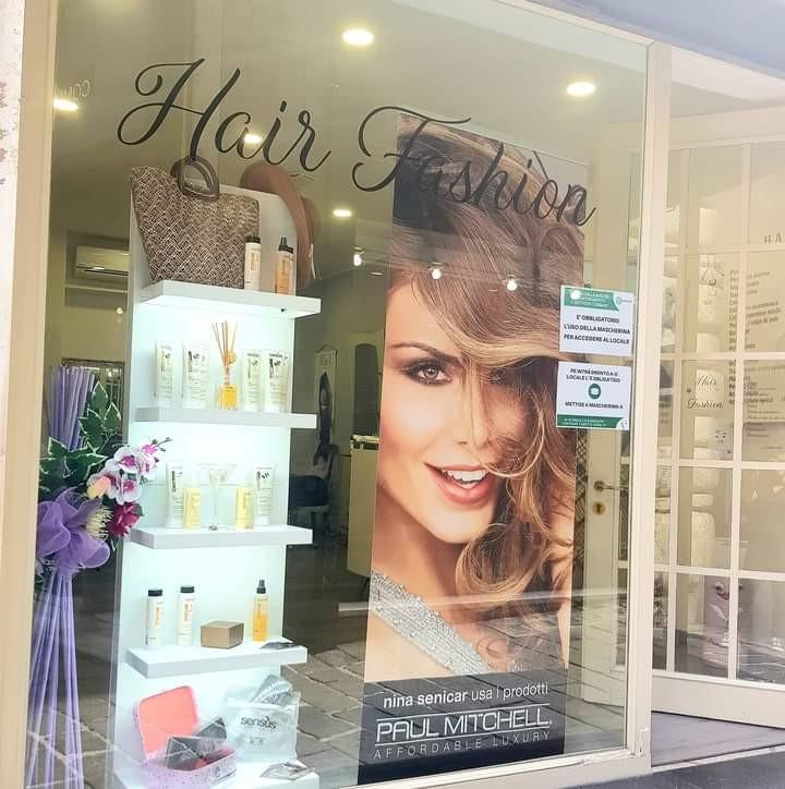Taglio shampoo, maschera alla cheratina, piega nel cuore di Genova in Vico San Matteo da Hair Fashion di Giuly! Validità fino al 30 Ottobre 2020!